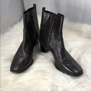 Antonio Melanie heeled ankle booties size 9